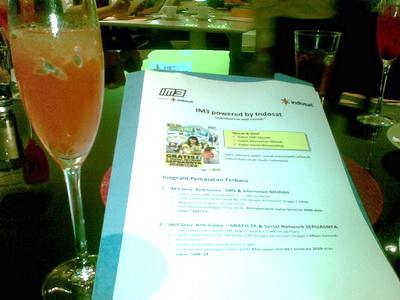 Brief acara Indosat Gathering dan segelas es markisa yang diperebutkan :p