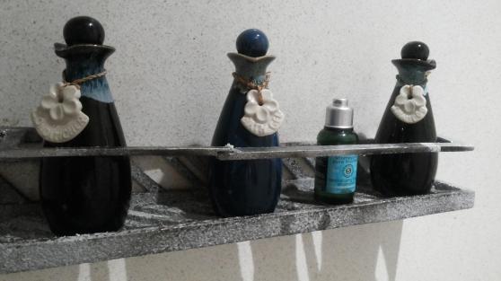 shampoo dan lotionnya top banget selama nginep di hotel baru ini mau pake shampoo hotel ^^